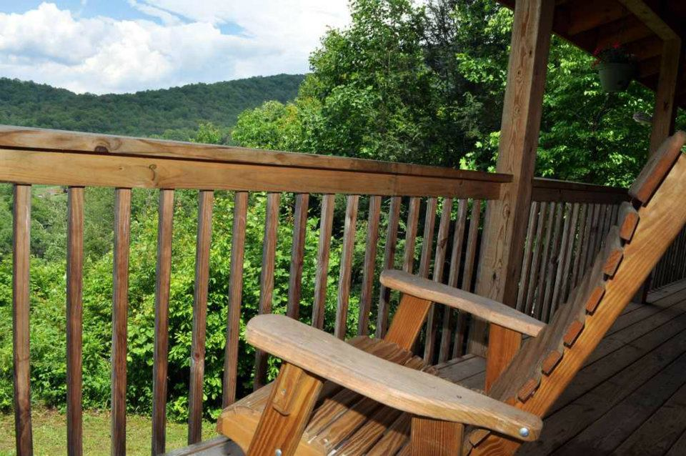 Cabin 3 Porch